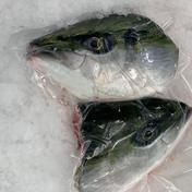 【冷凍】養殖ぶり頭(加熱用)2個入り×2袋セット(加熱用) 1個=(頭を半分に割っております)×2片方で1匹分です。×2袋でお届けでするので2匹分の頭となっております。 鹿児島県 通販
