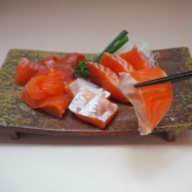[訳あり]マス刺身用フィレー(サイズ規格外)2キロ 2kg(6枚) 魚介類(鮭) 通販