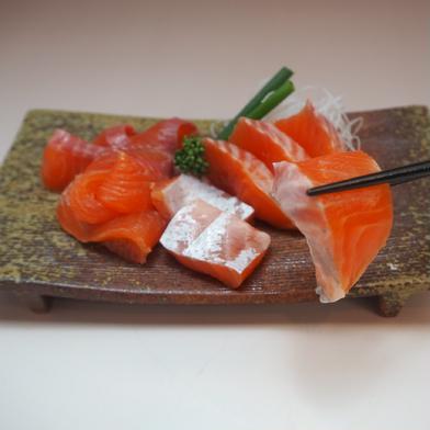 [訳あり]マス刺身用フィレー(サイズ規格外)1キロ 1kg(3枚) 魚介類(鮭) 通販