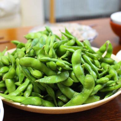 8月出荷 テレビ博士ちゃんで神の枝豆と絶賛されたよそべいのだだちゃ豆 1キロ 山形県 通販